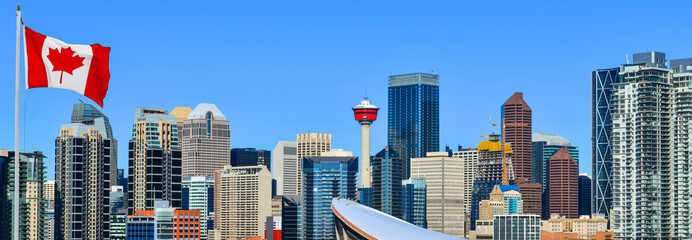 Foto op Aluminium Stad gebouw Canadian flag in Calgary city skyline at sunny day, Alberta,Canada