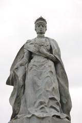 estatua reina maria cristina
