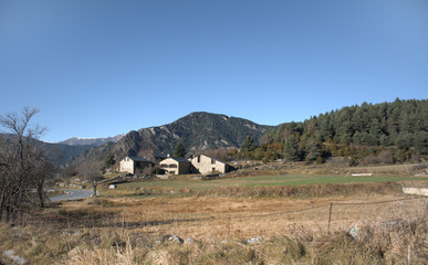 Casas rurales en Andorra. Montañas de los pirineos al Sud de Europa