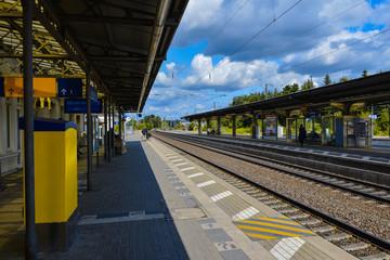 Bahnhof Kleinstadt Bahnsteig Gleise