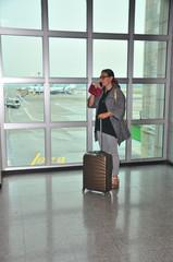Geschäftsfrau im Flughafen