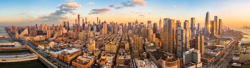 Aerial panorama of New York skyline above Hudson Yards midtown Manhattan skyscrapers on a sunny afternoon Fototapete