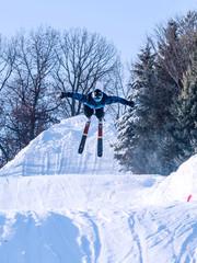 People are enjoying skiing/ snowboarding