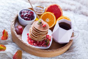 pancakes breakfast in bed