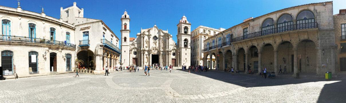 Hanava Cuba Plaza de la Cathedral