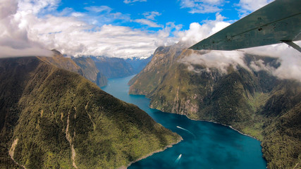 Photo sur Plexiglas Océanie New Zealand. Milford Sound from above