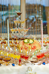 Papiers peints Moyen-Orient Glass glasses with colored drinks on the table. alcoholic drinks at the buffet