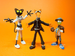 Sly Fox and his friend cat and monkey work as secret agents.
