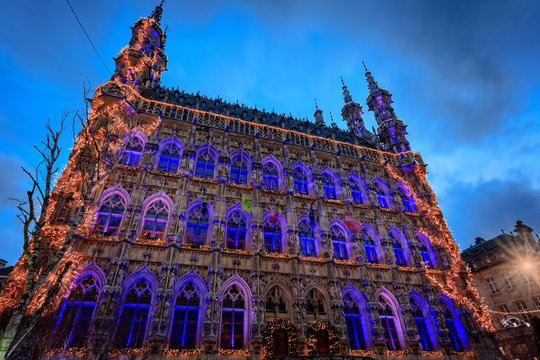 illuminated town hall of Leuven