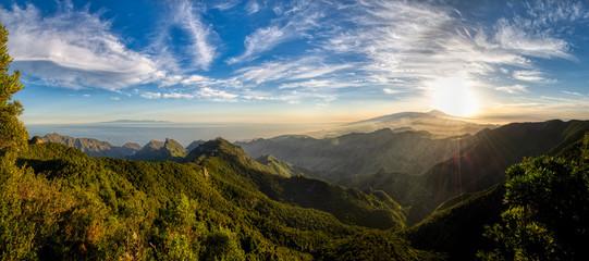 Foto auf Acrylglas Kanarische Inseln Mountains and forests of Tenerife