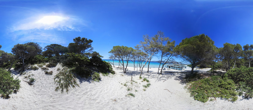 360 degrees view of Maria Pia beach under a shining sun