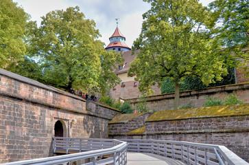 Wall Mural - Vestnertorbastei mit Eingang zur Nürnberger Kaiserburg