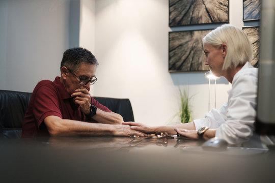 Empathic Doctor Deliver Bad Health News to Senior Patient