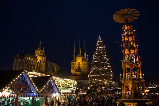 Erfurter Weihnachtsmarkt auf dem Domplatz