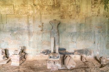 アンコールワットの石像