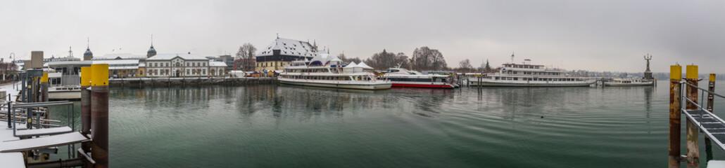 Winter Panorama Konstanz während des Weihnachstmarktes