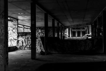 Niedokończona budowa - straszny i mroczny pustostan