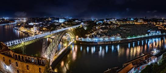 Ponte Luis I bridge in Porto