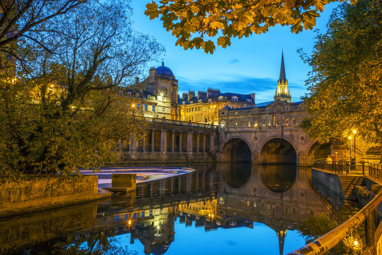Pulteney Bridge, Avon, Somerset, England, U.K.
