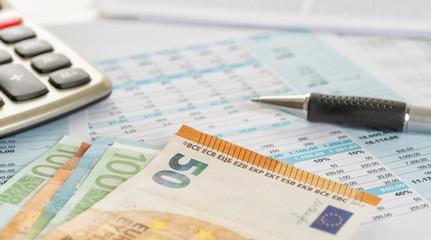 Fotomurales - Tabellen mit Geldscheinen