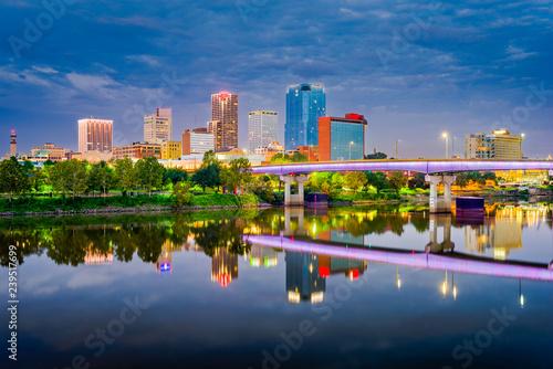 Fototapete Little Rock, Arkansas, USA skyline on the Arkansas River