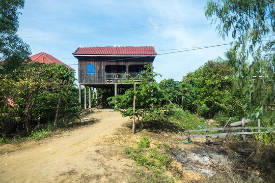 Kambodscha - Angkor - Hütte auf der Fahrt von Stung Treng nach Beng Mealea