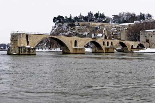 pont d'Avignon enneigé