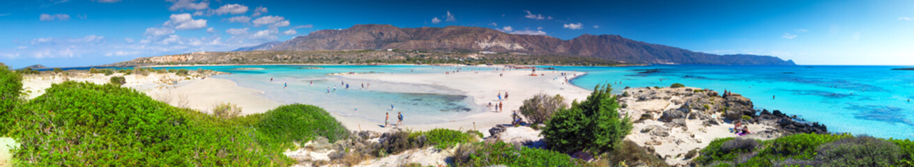 Foto auf Leinwand Tropical strand Elafonissi beach on Crete island with azure clear water, Greece, Europe
