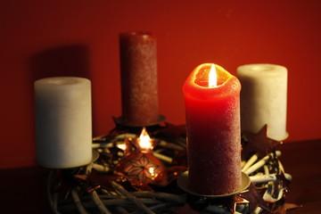 Advent, erst eins, dann zwei, dann drei, dann vier, dann steht das Christkind vor der Tür