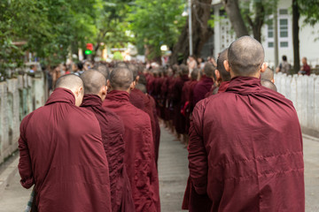 Monjes budistas. Amarapura, Myanmar