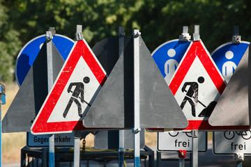 Verkehrsschilder Baustelle, Schilderwald