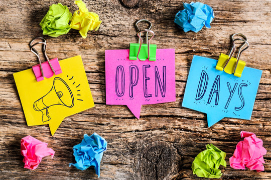 post it note : open days (anglais)