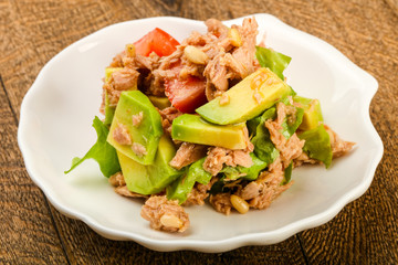 Tuna and avocado salad