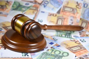 marteau loi enchere justice decision jugement euro