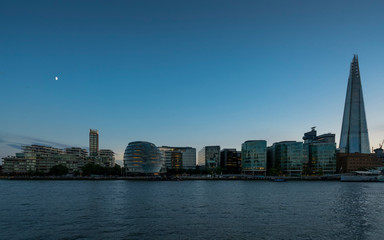 Great Britain, England, London, River Thames with City Hall and The Shard at blue hour