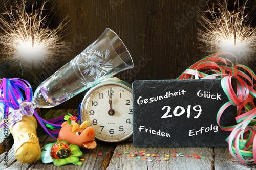 silvester sylvester neujahr 2019 neujahrsw nsche. Black Bedroom Furniture Sets. Home Design Ideas