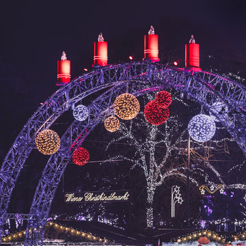 Festively decorated arc on Christmas market