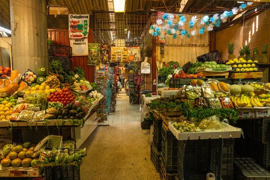 Gemuese- und Obsstand in Coyoacan Markt, Mexiko Stadt