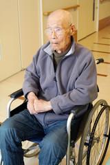 老人 車椅子 老人ホーム