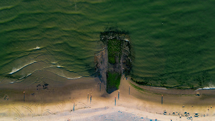 Wellenbrecher am Strand der Nordsee 1