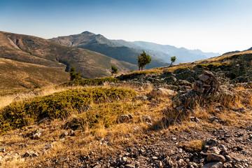 Picos Cabezas de Hierro desde el pico Maliciosa. Sierra de Guadarrama. Madrid. España. Europa.