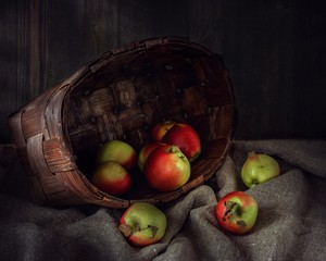 Still life with an apples