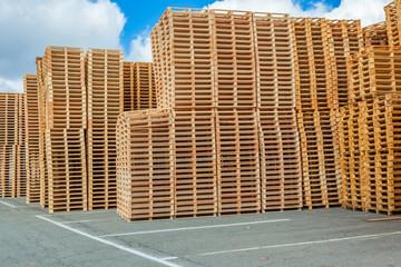 stockage de palettes en bois