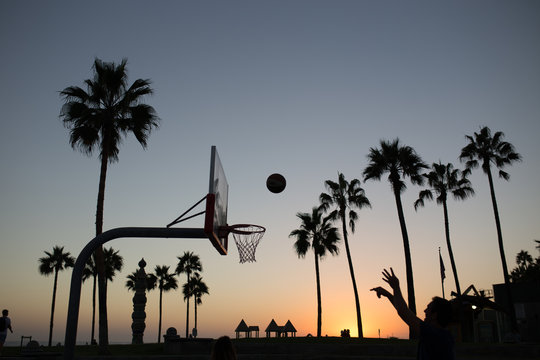 Basketball match on venice beach.