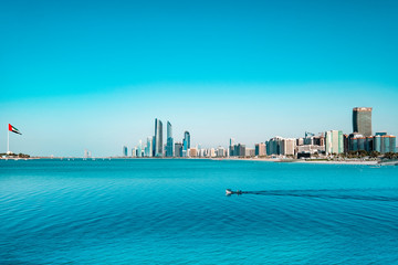 Photo sur Toile Abou Dabi Abu Dhabi skyline waterfront