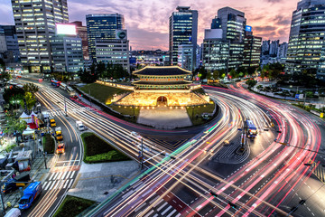 Foto op Canvas Seoel Sungnyemun gate (Namdaemun Market) at night in Seoul, South korea