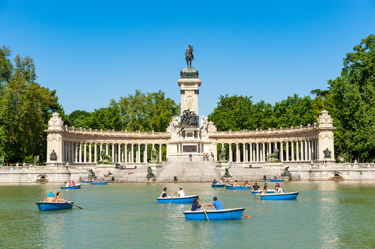 Boating lake at Retiro park, Madrid, Spain