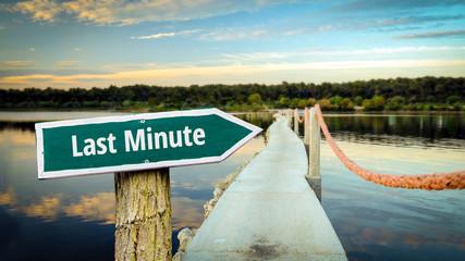 Schild 381 - Last Minute
