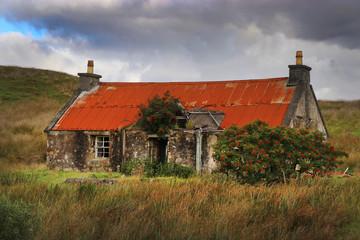 Hausruine bei der Brücke nach Scalpay Hebriden