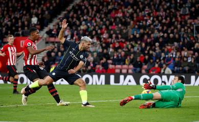 Premier League - Southampton v Manchester City